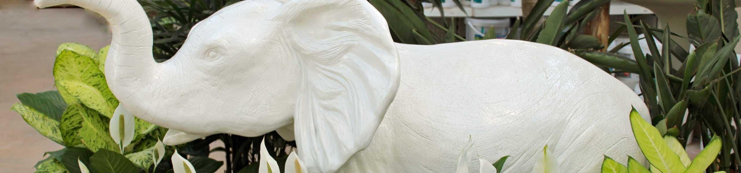Éléphant blanc en résine
