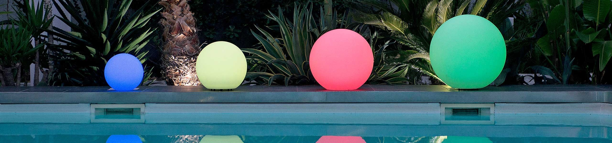 Boules lumineuses piscine