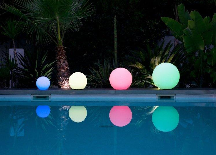 Sonofep jardin viticulture p pini re paysage for Boules lumineuses piscine