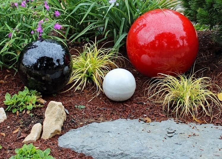 sphères boules céramique rouge noir blanc